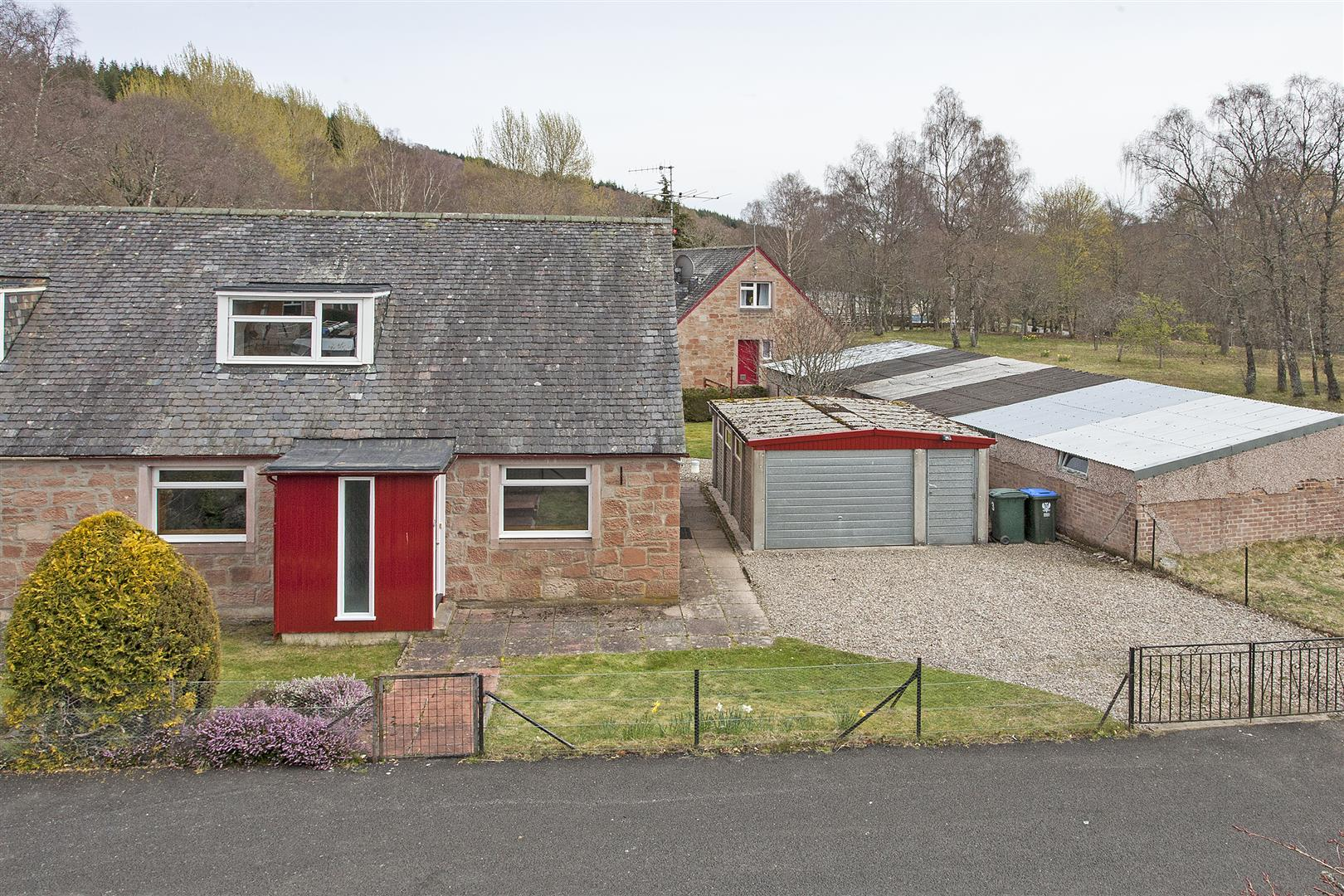 3, Dalcroy Crescent, Tummel Bridge, Pitlochry, Perthshire, PH16 5NU, UK